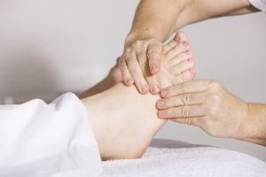 Foot massage affects the health in a good way.