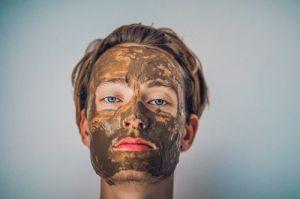 Maska na licu