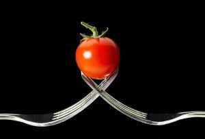 Prirodni lekovi protiv proširenih vena podrazumevaju i paradajz