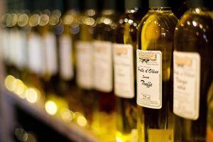 Maslinovo ulje u lepoj boci jedan je od načina kako prepoznati pravo maslinovo ulje